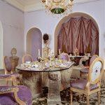 Столик в гостиной