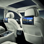Мультимедийная система для пассажиров на задних сиденьях
